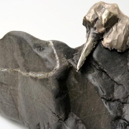 Bronze sur pierre noire
